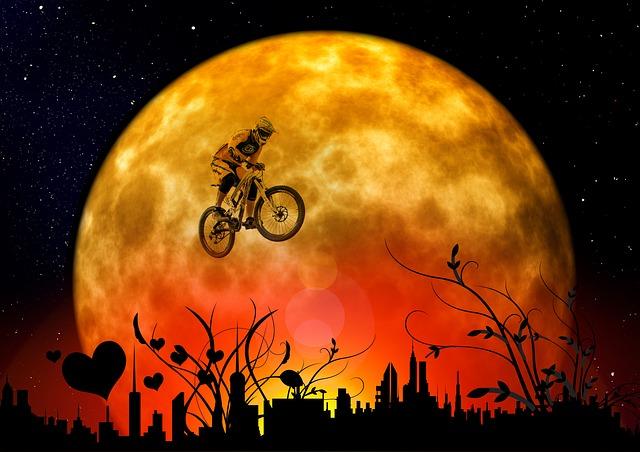 moon-107067_640
